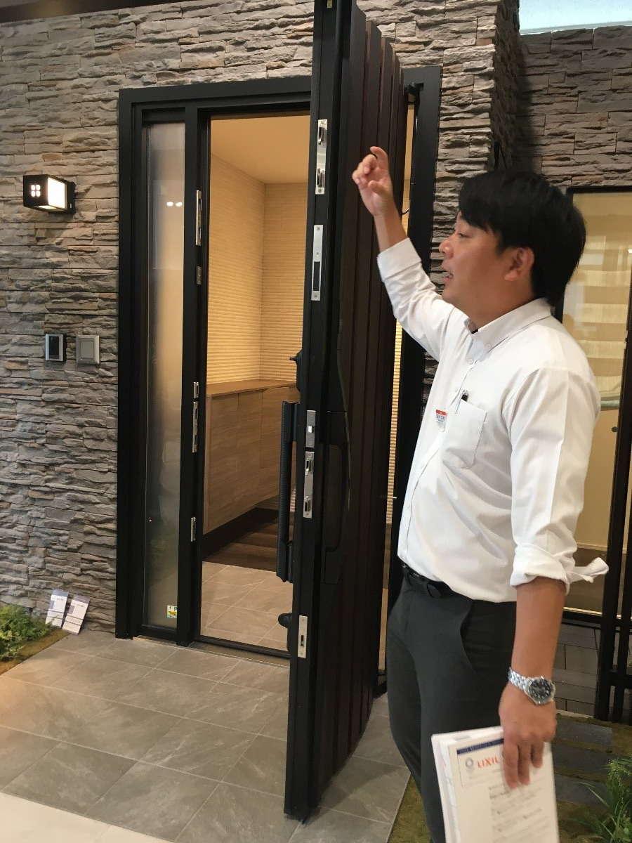 image  玄関ドア、窓の勉強会(LIXIL福岡ショールーム様)